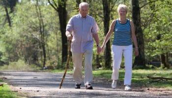 Какие прогулки помогут сохранить форму и улучшить самочувствие