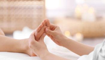 Какие точки на массаже стоп помогут почувствовать себя гораздо бодрее