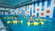 10 упражнений акваэробики, которые прокачают фигуру не хуже тренажерного зала