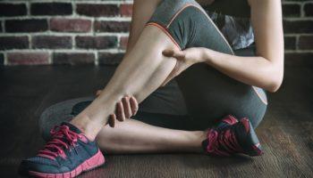 Во время тренировки ногу свело судорогой — что делать