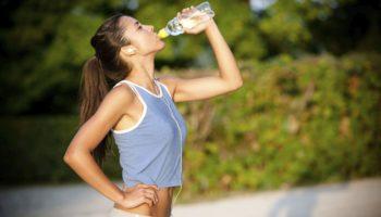 Зачем пить воду во время и после физической активности