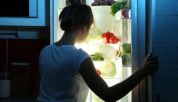 5 лайфхаков, как избавится от ночных перекусов, которые мешают ЗОЖ