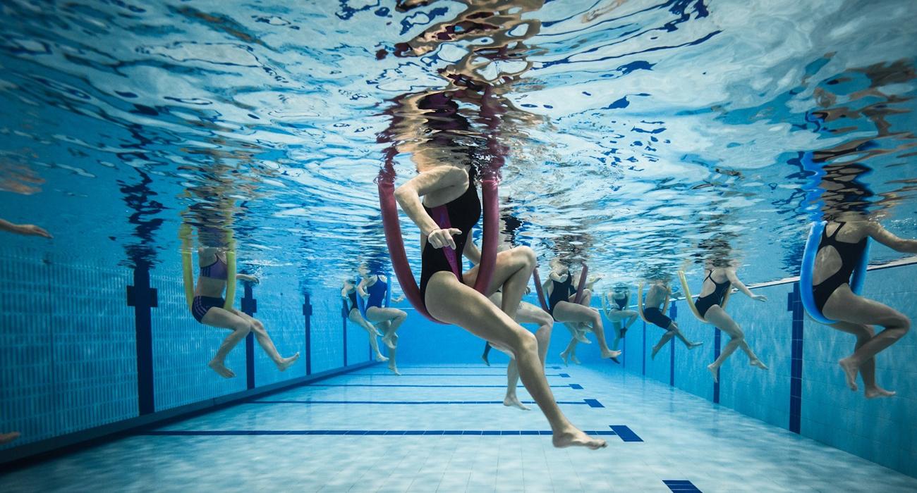 Упражнения для занятий в бассейне для похудения