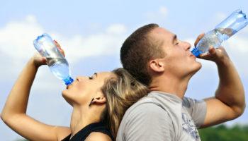 Сколько нужно пить чистой воды в летнее время года