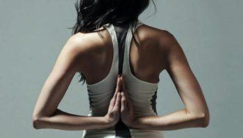 Как с помощью йоги помочь себе выработать красивую осанку