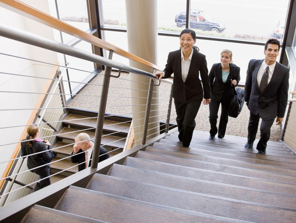 Больше двигаться по лестнице польза
