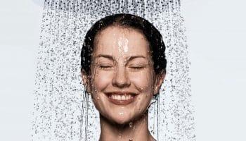 Контрастный душ – отличное подспорье силовым тренировкам