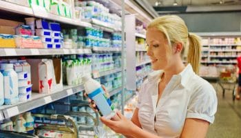 Нужно ли мыть упаковки товаров, купленных в магазине?
