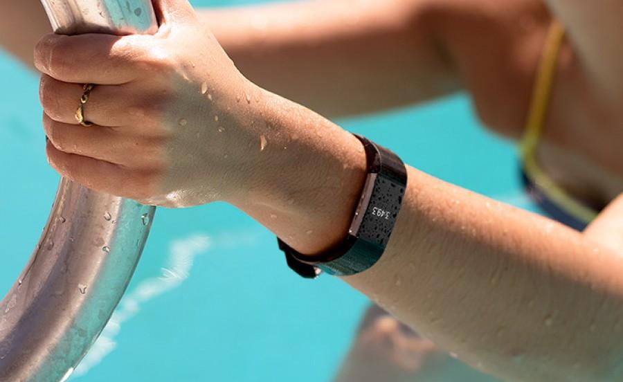 фитнес браслет для бассейна