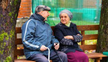 Можно ли людям старше 60 лет выходить на улицу во время карантина