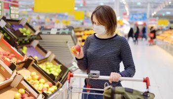 Как не заразиться коронавирусом от продуктов из магазина