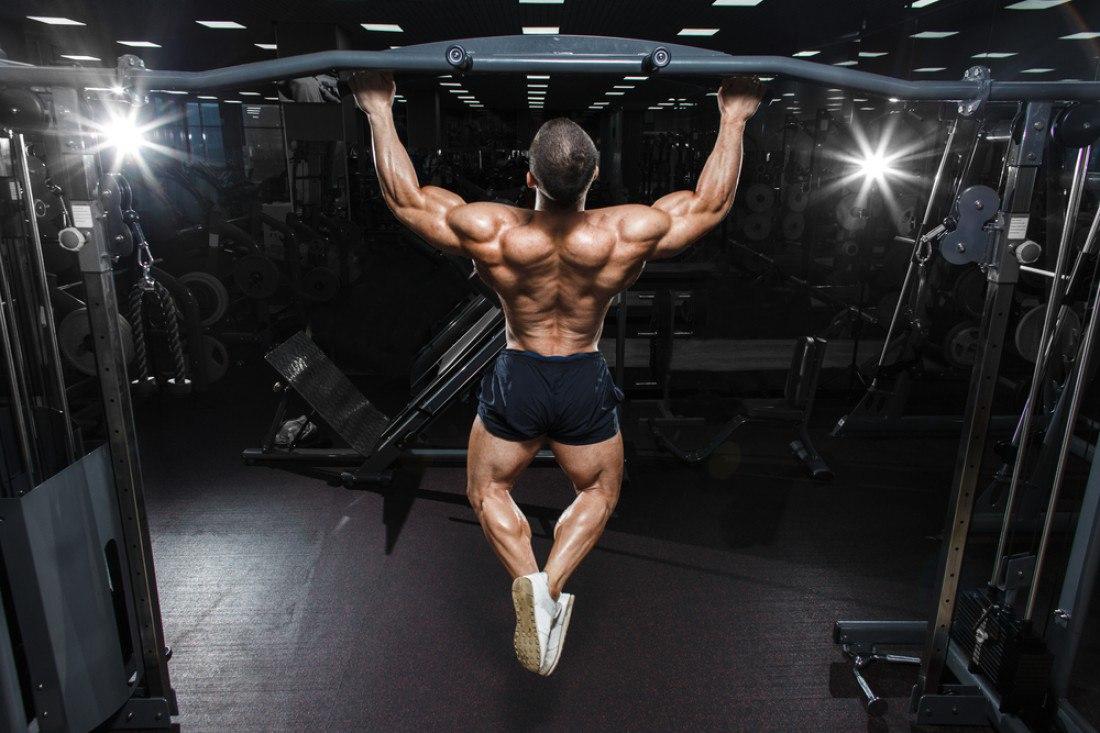 Какие мышцы работают при подтягивании на турнике различными хватами